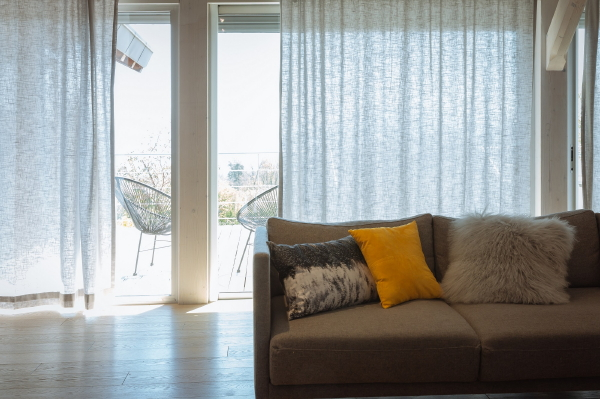 Privacy in Huis met Elektrische Gordijnen - DroomHome | Interieur ...