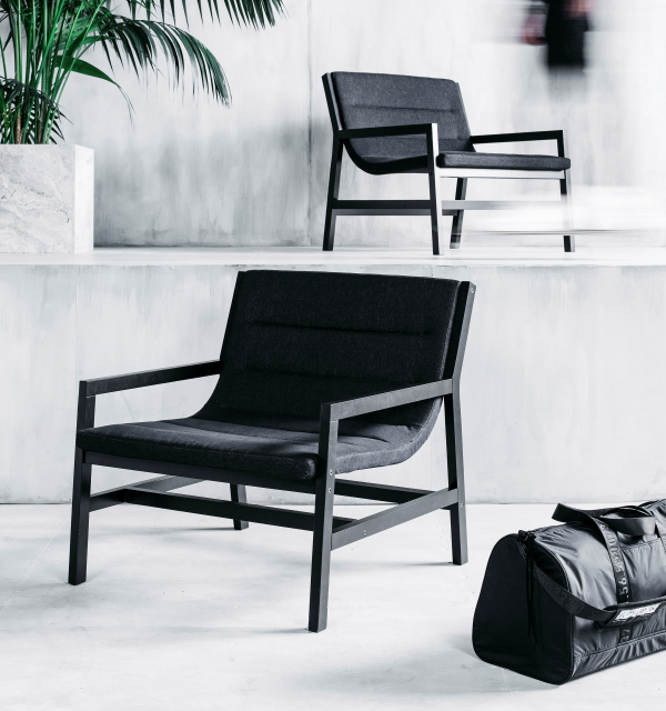 Ikea urban collectie Spanst, design Chris Stamp – Stoel / fauteuil. (Foto Ikea  op DroomHome.nl)