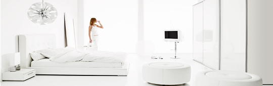 http://droomhome.nl/images/stories/droomhome_slaapkamer_wit_interieur_ideeen_bed.jpg