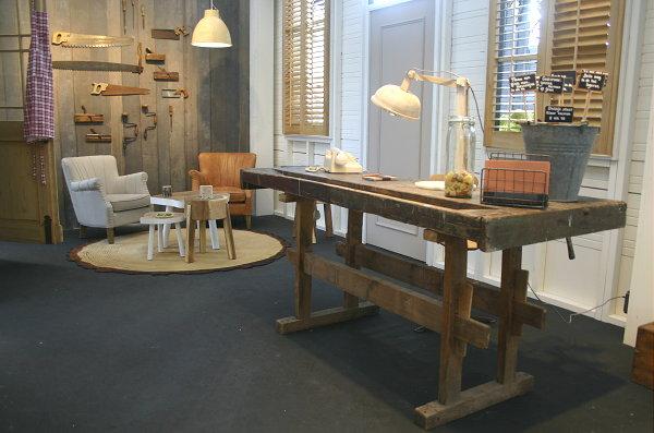 Keuken Werkbank Maken : – Ambachtelijke werkplek en zithoek. Het bureau is een oude werkbank