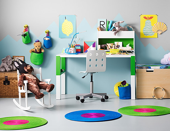 IKEAでチビッ子用勉強机 jaron zimmer kinderzimmer kinder