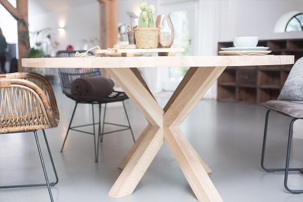 Ronde houten eettafels droomhome interieur woonsite