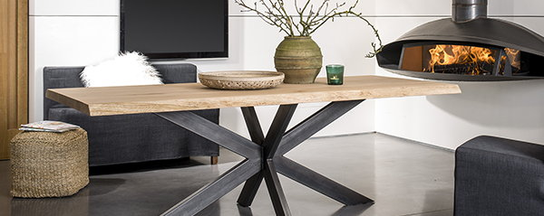 http://droomhome.nl/images/stories9/droomhome_tafel_industriele_eettafel_robuust_hout_met_staal_tabledusudnl.jpg